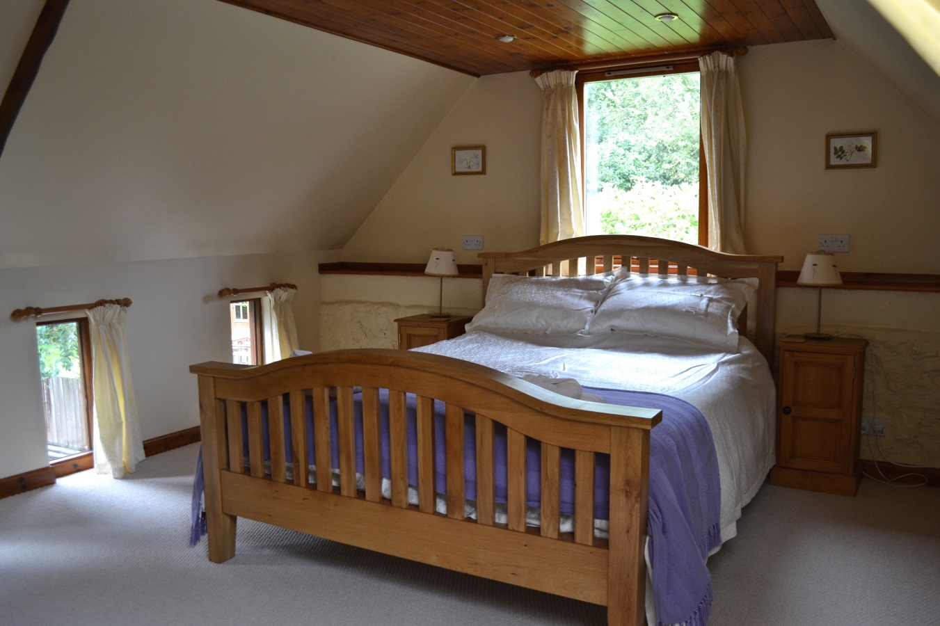 Lake View Double Bedroom at Little Dunley Cottages