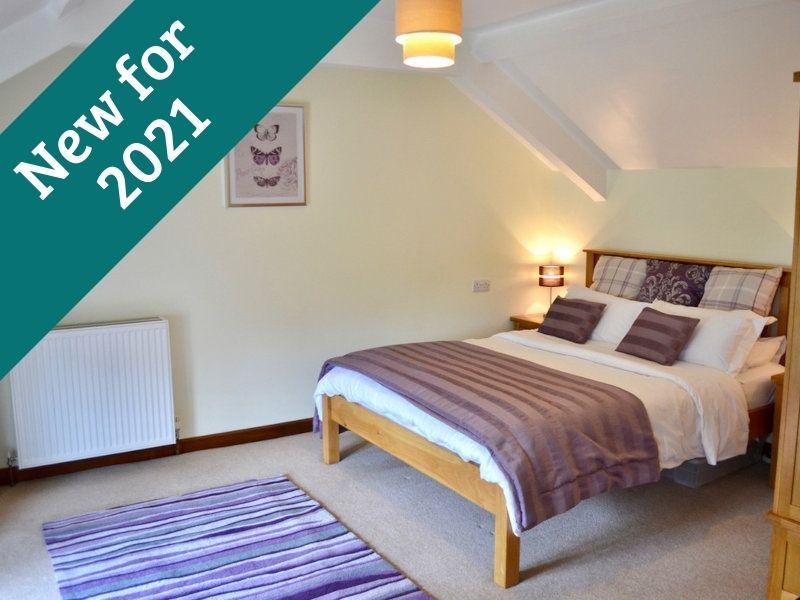 Holiday Cottages Devon - Wisteria Cottage 2021 - Little Dunley