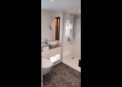 Holly Holiday Cottage Devon - Bathroom - Little Dunley Cottages