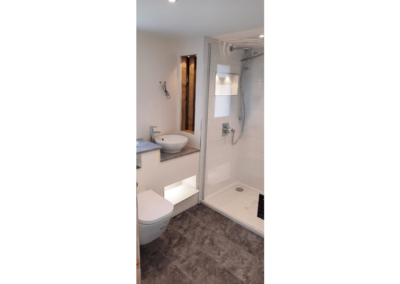 Maple Holiday Cottage Devon - Bathroom - Little Dunley Cottages